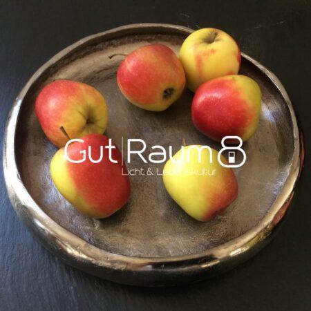 Schale in silber, aus rohem Nickel mit Äpfeln als Dekoration