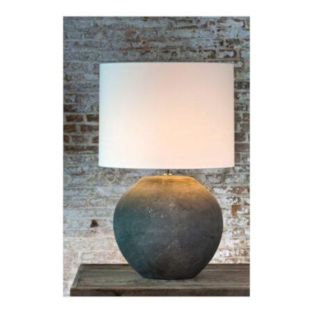 Tischlampe Midway, runder Lampenfuss aus Stein, Lampenschirm rund weiß von der Marke Light und Living