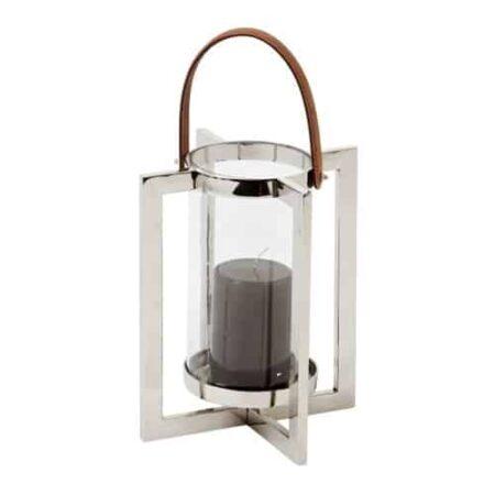 Edles Windlicht aus poliertem Metall mit Glasgefäß in der Mitte für Kerze und einem Henkel aus Leder von Light und Living