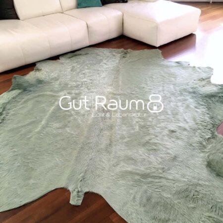 Kuhfell Teppich bunt farbig eingefärbt in AQUA Gruen