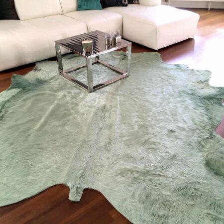 Kuhfell Teppich AQUA Grün und Beistelltisch Tisch