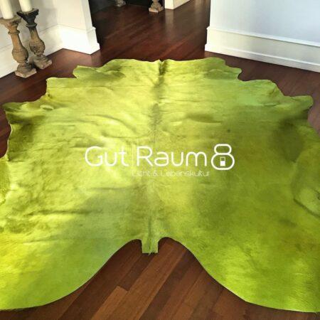 Kuhfell Teppich farbig bunt eingefärbt in Limonen Grün