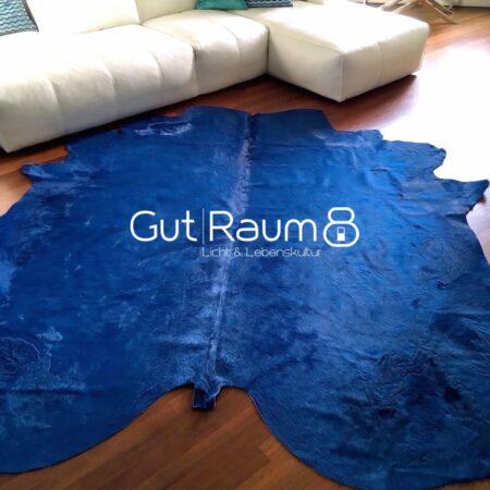 Kuhfell Teppich bunt farbig eingefärbt in Skyline Blau