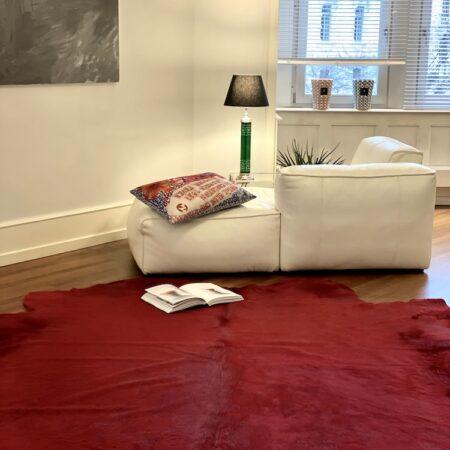 Kuhfell Teppich Rot, luxuriöser Fell Teppich - ca. 5 m² eingefärbt