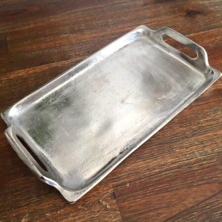Tablett aus rohem Metall, perfekt für Ihre Gäste daheim und die Gastronomie