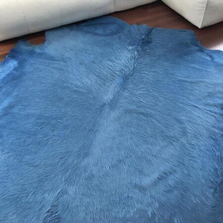 Kuhfell Teppich himmlisches Blau
