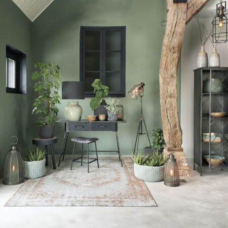 Inneneinrichtung von Light & Living, von Teppich über Möbel bis hin zu Dekoration im wohnlichen Stil