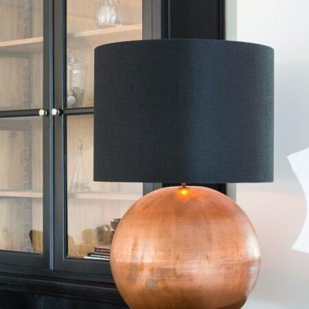 Tischlampe STRADO, Lampenfuss Kupfer, Lampenschirm Schwarz von Light und Living