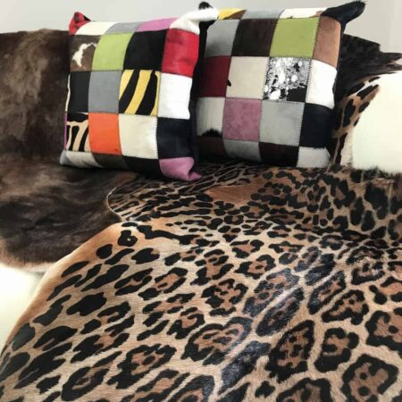 Blessbock Leopard Fell & Kissen von Fellhof