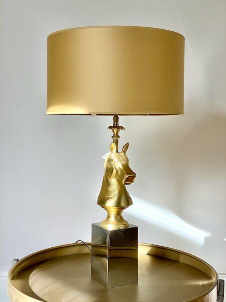 Tischlampe CAPRILLI goldenes Pferd, Lampenfuss ist ein Pferdekopf mit einem Lampenschirm aus Satin