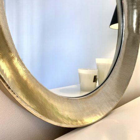 Spiegel Spirit antik silber, exklusiver runder Wandspiegel von Light & Living