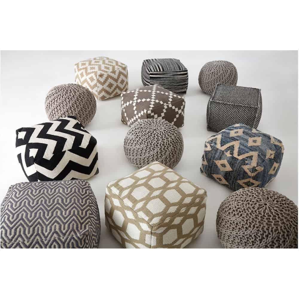 sitzpouf bosie streifen quadratisch schwarz weiss gutraum8 sitzm bel. Black Bedroom Furniture Sets. Home Design Ideas