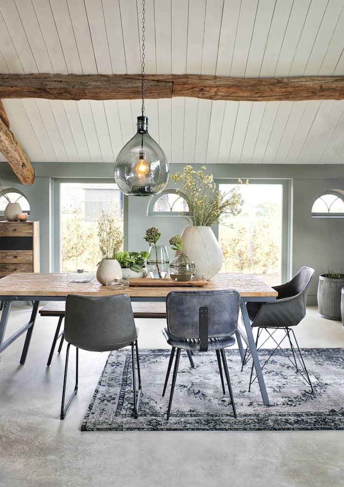 Esszimmer Möbel und Dekoration, Esstisch, Esszimmerstühle, Teppich und Dekoration von Light & Living