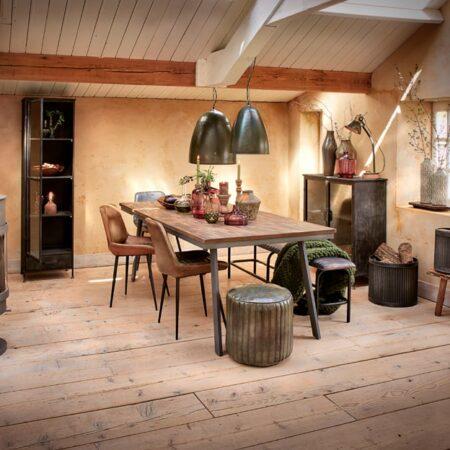 Möbel und Inneneinrichtung von Light & Living