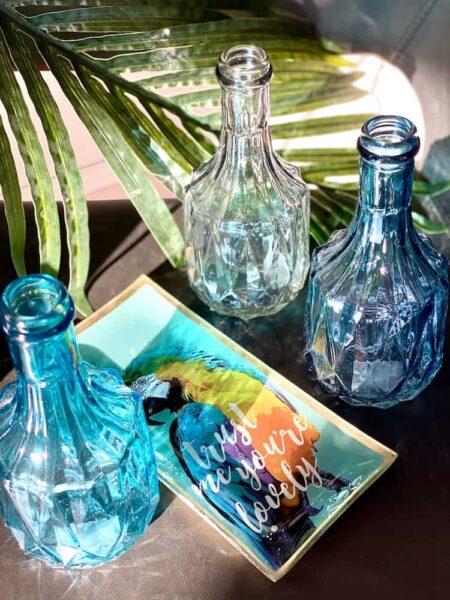 Vase FONTANA & Glasteller PAPAGEI, Glas Flasche im Blau Grau Mix, 3er-Set + Glasteller mit PAPAGEI