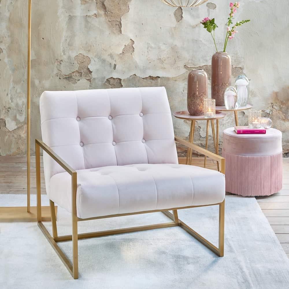 Loungesessel GENEVE Rosa, Inneneinrichtung in Rosa und Antik Gold Tönen von Light & Living