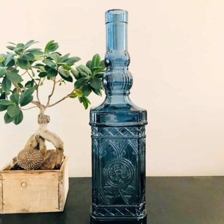 Vase GELATE blau aus Glas, edle Flasche mit Muster in dunkel Blau von der Marke Light & Living