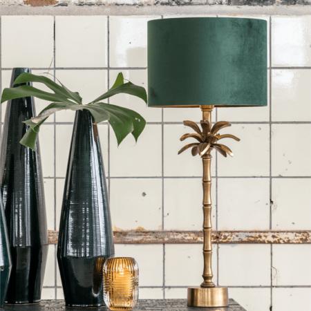 Tischleuchte ARMATA mit Lampenfuss in Bronze in Form einer Palme mit einem Lampenschirm in dunkel grün aus Samt von Light & Living