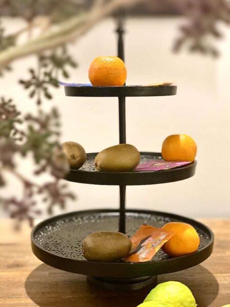 dekorative Etagere aus robustem Metall von Light & Living