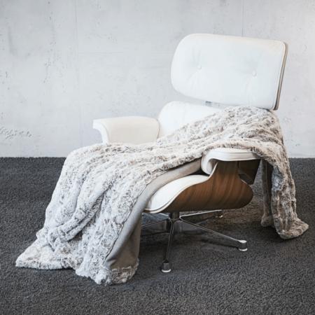 CARMA Decke 'KARAKUL' creme weiss, Luxusdecke aus Webpelz, Schurwolle und Kaschmir von CARMA