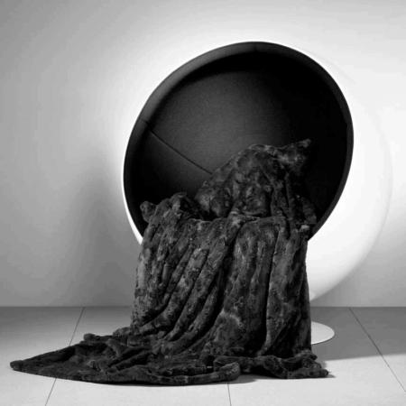 CARMA DECKE 'LAMM' schwarz, Luxusdecke aus Webpelz, Schurwolle und Kaschmir von CARMA