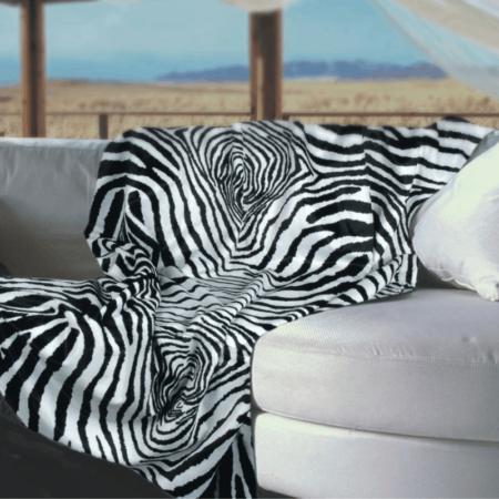 CARMA Decke 'ZEBRA' schwarz weiss, Luxusdecke aus Webpelz, Schurwolle und Kaschmir von CARMA