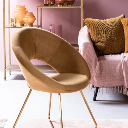 Inneneinrichtung von Light & Living, in den Farben karamel und rosa
