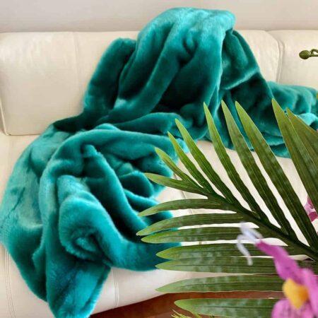 CARMA DECKE SEAL smaragd, Luxusdecke aus Webpelz, Schurwolle und Kaschmir von CARMA
