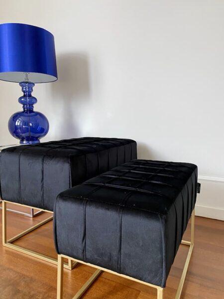 Hocker BUCKINGHAM schwarz, Sitz 2-Set aus Samt in schwarz und goldenem Gestell von Van Roon Living