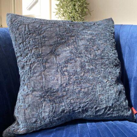 Carma Kissen ROMA denim blau, traumhaft schönes Dekokissen für Couch und Sessel aus Leinen