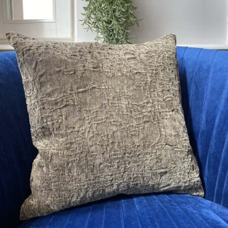 Carma Kissen ROMA olive, traumhaft schönes Dekokissen für Couch und Sessel aus Leinen