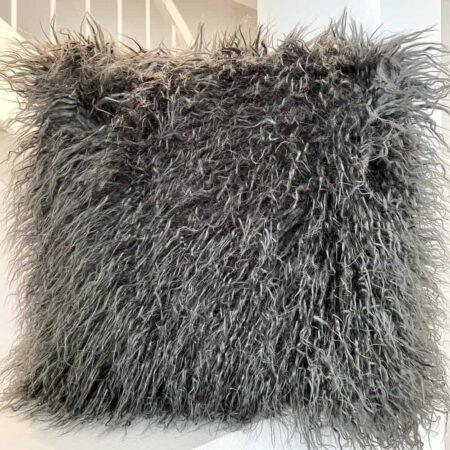 Kissen YETI Kunstfell grau, flauschiges Kunstfell Kissen von der Marke Carma
