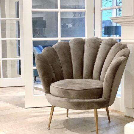 Loungesessel LOTUS Grau - gemütlicher Sessel aus Samt von Van Roon Living