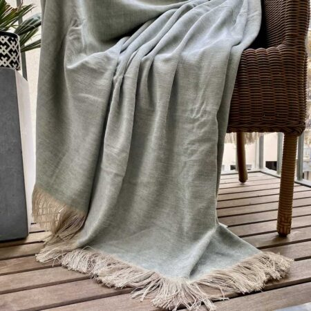 Carma Plaid VENEZIA mint, Decke aus Leinen mit Fransen 130x180 cm