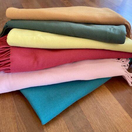 CARMA Plaid UNI Kollektion, Unifarbene Tagesdecken aus Wolle und Cashmere