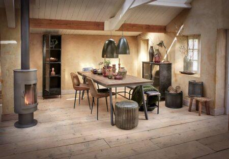 Wohnzimmer Inneneinrichtung, Möbel, Esstisch, Esszimmerstühle und Dekoration von Light & Living