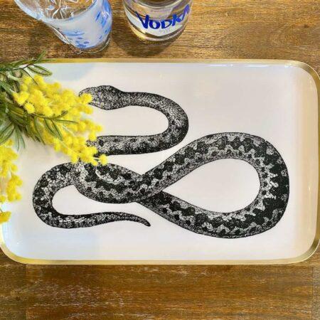Tablett SAIGON SNAKE, Tablett aus Aluminium mit goldenem Rand und Schlangen Abbildung in schwarz/weiß, 42xx2x26cm - von der Marke GiftCompany
