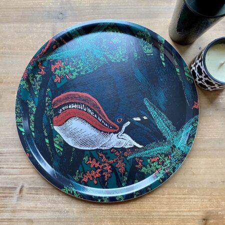 Tablett CACHATOK Wal Design von GANGZAI, skurille Dekoration aus Birke mit Wal Design.