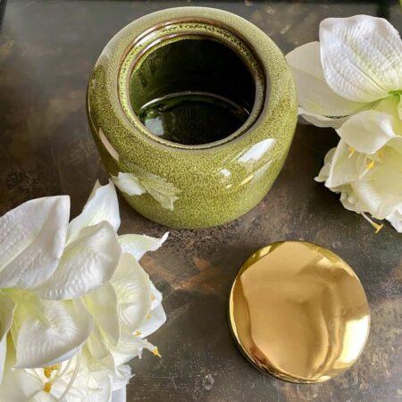 Keramikdose ARITA, praktisch und schön aus Keramik in grün und gold von der Marke GiftCompany