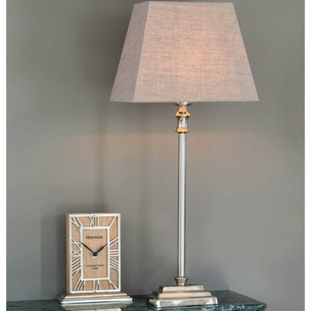 Tischlampe KOTA, schlichter silber Lampenfuss mit eckigem Lampenschirm aus Leinen