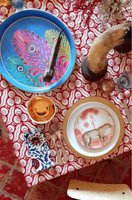 Tischdekoration Les-Ottomans, Tabletts in vielfältigen Varianten