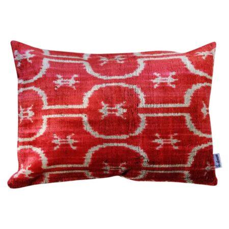 Les-Ottomans Kissen in rot aus Seidensamt, samtweich & luxuriös im IKAT-Design