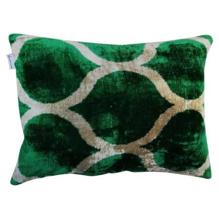 Les-Ottomans Kissen in grün aus Seidensamt, samtweich & luxuriös im IKAT-Design