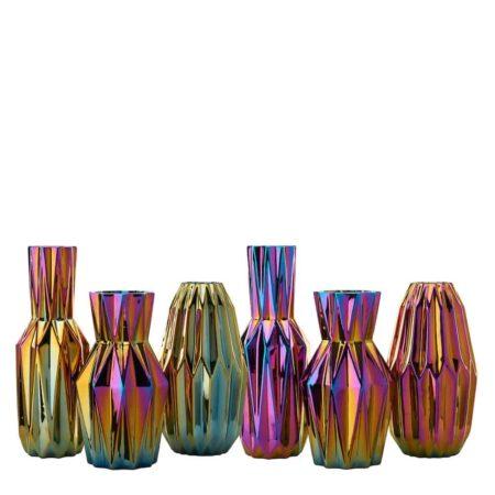 Vasen-Kollektion von Pols Potten 'OILY FOLDS', extravagante Faltenvasen mit schillernder Glasur, je nach Lichteinfall ein anderes Farbspiel