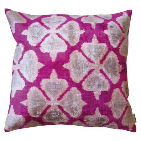 Samtkissen IKAT pink, Kissen aus Seidensamt von Les-Ottomans