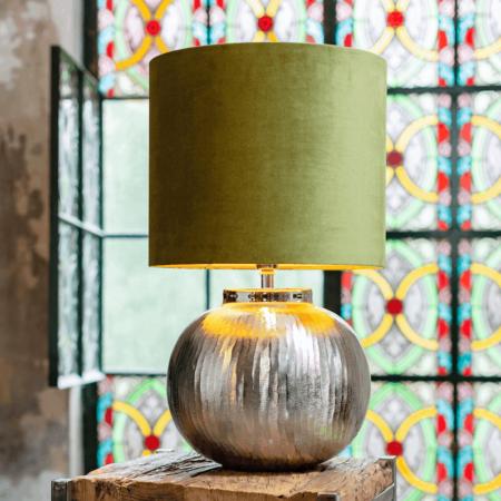 Tischlampe BOLCHO, grosser runder Lampenfuss in silber mit samtig grünem Lampenschirm