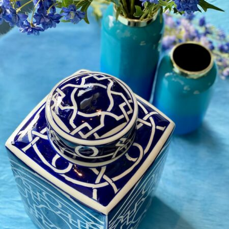 Vase SAIGON und Deckelvase, Kollektion in Blau von GiftCompany