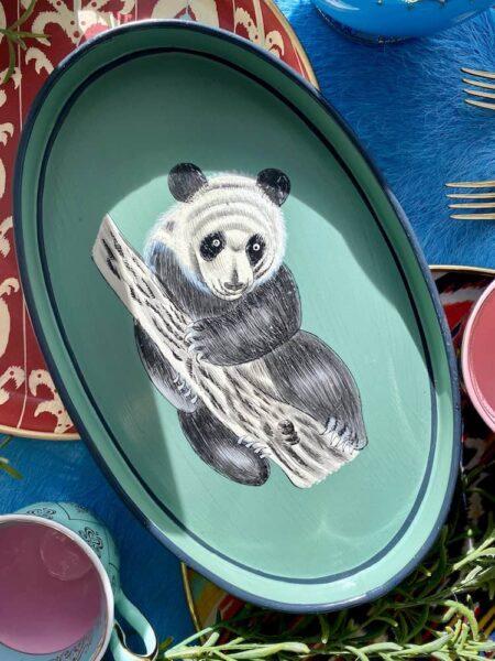 Handbemaltes Tablett 'PANDA' aus Eisen, ovales, grünes & dekoratives Serviertablett, Göße 33x20 cm von der Design-Marke Les Ottomans