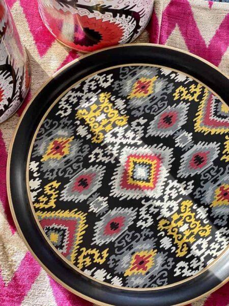 grosses rundes Tablett 'IKAT' , aus Eisen / schwarz-bunt Ø38 cm - von der Design-Marke Les Ottomans