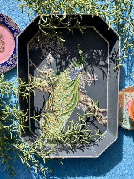 Tablett PFAU von Les-Ottomans, schwarz/grünes dekoratives Serviertablett, Göße 43x30cm von der Design-Marke Les Ottomans